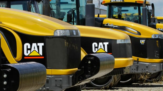 Caterpillar, 3-M Earnings Face Strong Dollar, Weak Economy Test