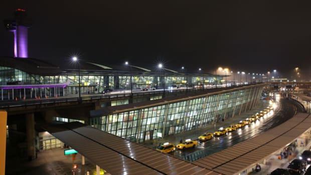Delta's JFK Jewel Pressures United at Newark