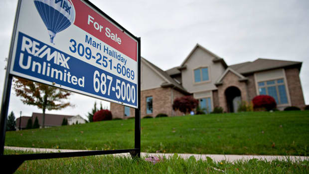 Why Toll Brothers Is Set to Outperform Its Peers