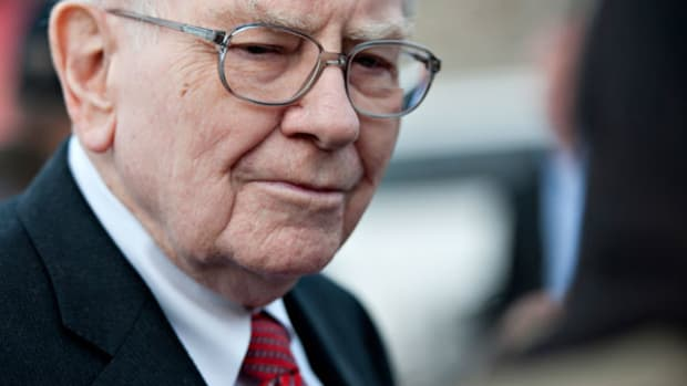 Highly Paid CEOs Like Warren Buffett May Be Worth Every Million