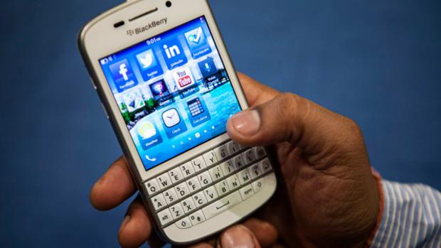Dumb Money Buys Into BlackBerry Head Fake