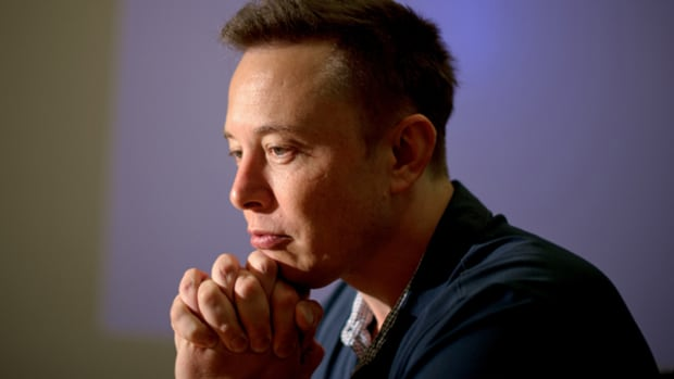 China Goes Gaga Over Tesla's Musk