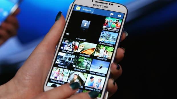 Samsung's Problem With LeBron, Ellen and Beckham
