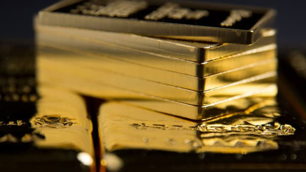 Gold Melts Down As Selling Heats Up