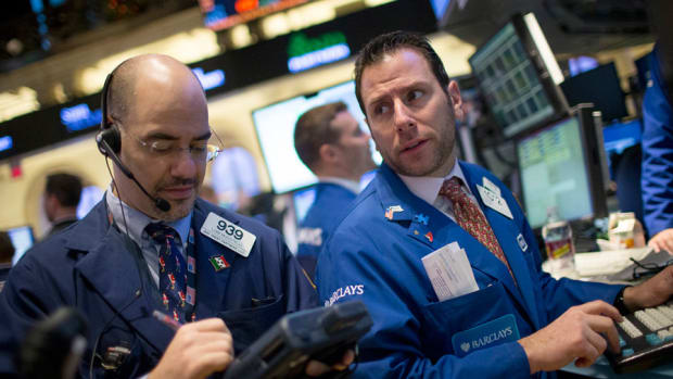 Midday Bell: Tech Gushes - Crude Oil Slides