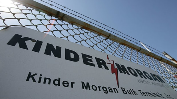 Kinder Morgan Discusses, Downplays MLP Merger