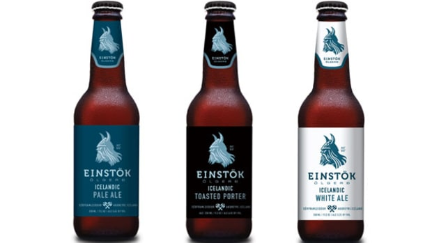 Drinking a New Brew on TheBeach With Einstok's Head Beer Geek