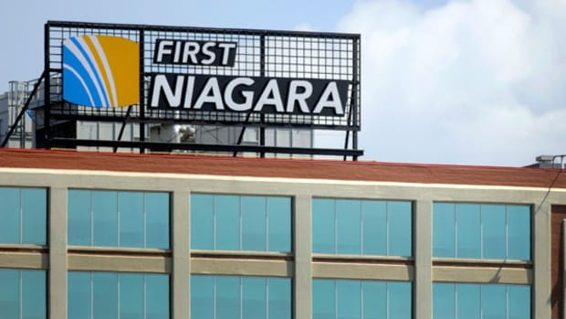 First Niagara Bucks Trend on Rough Day for Bank Stocks