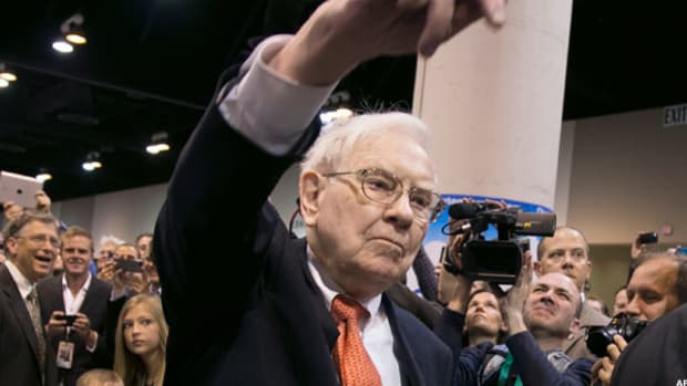 Buffett: Planes, Trains and Investment Pains