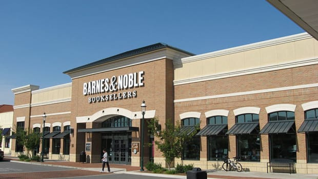 Tiffany, Barnes & Noble Set to Report