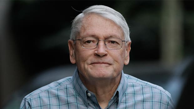 Cable Mogul John Malone Said to Be Discussing Univision Stake