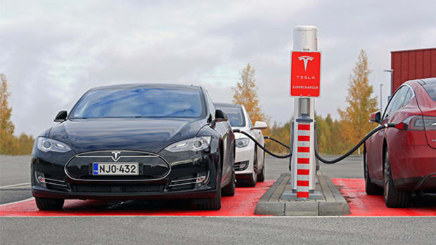 Tesla (TSLA) Stock Lower, Cooperating with French Over Car Fire