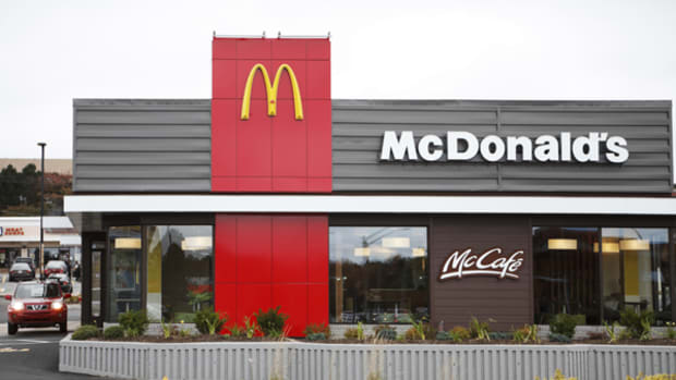Analysts Are Lovin' McDonald's Stock Despite Fears of Contagion From Other Failing Retailers
