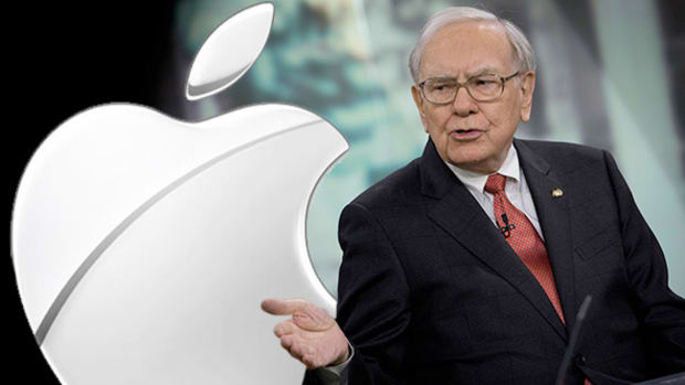 Why Billionaire Warren Buffett Has Dumped IBM Shares And Loaded Up on Apple