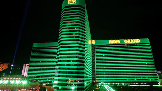 MGM Resorts (MGM) Stock Lower as Analysts Expect Q1 Decline