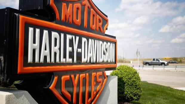 Harley Davidson's Losing Traction, Goldman Downgrades Shares