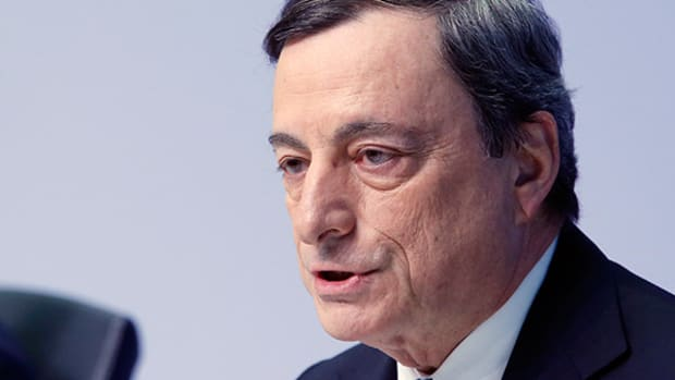 Draghi Adopts Dovish Tone Even as Yellen Cautions on Fed Tightening