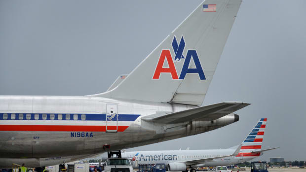 American Airlines (AAL) Stock Declines Despite Higher Passenger Traffic