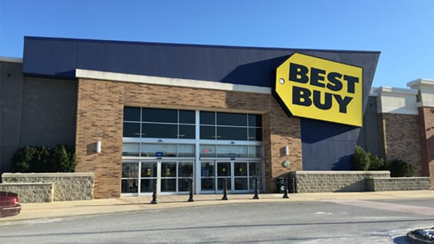 Wall Street Likes Best Buy's New CFO, but Can She Help Best Buy?