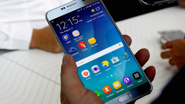 Apple Who? Samsung Is Crushing It