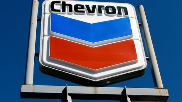 Here's Why RBC Isn't Sold on Chevron Despite 'Attractions for Investors'