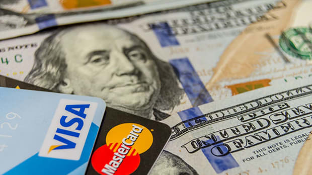Credit Card Delinquencies Swell, in Ominous Sign for U.S. Lenders