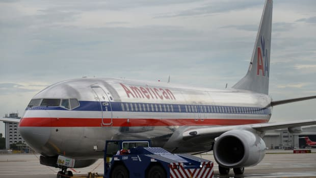 Gogo on Roller-Coaster Ride After American Airlines Splits Wi-Fi Order