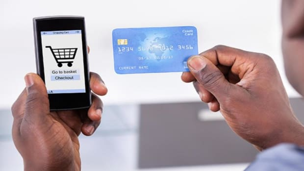 Online Retail ETF Capturing Move Towards Mobile Shopping