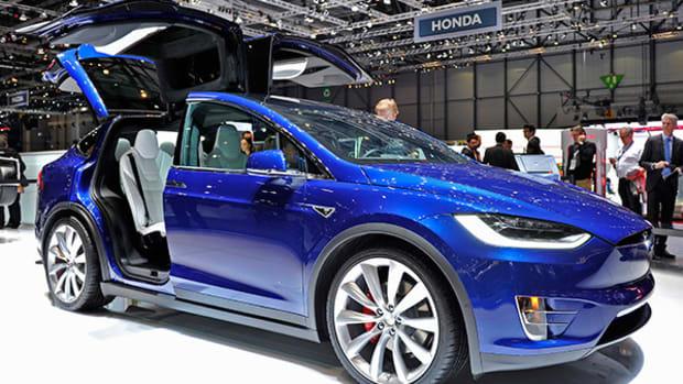 Tesla Lowers Model X Price, Cites Improved Profit Margins