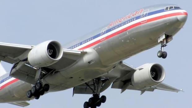 Midday Report: American Airlines Falls on Weak August Traffic; U.S. Stocks Climb