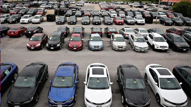 TrueCar Rises on Narrow Loss