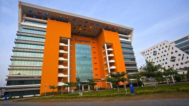 Cognizant Shares Fall on Investigation and Departure of President
