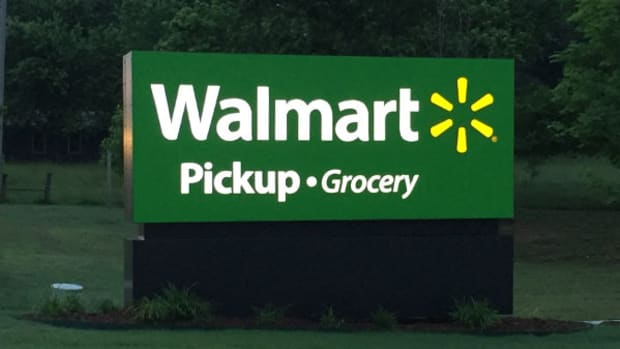 Walmart (WMT) Stock Rating Maintained, Morningstar's Perkins Explains on CNBC
