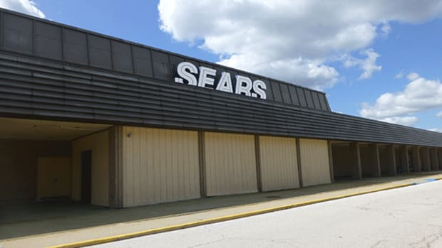 Sears Voices 'Substantial' Worry Over Staying a 'Going Concern'