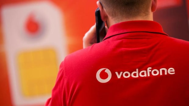 Vodafone Shares Lose Ground on Macquarie Downgrade