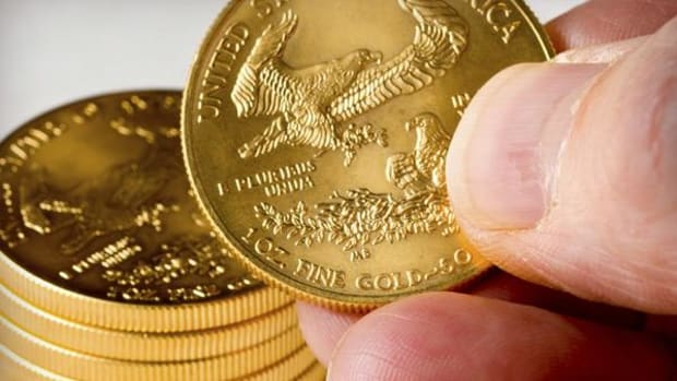 Gold Hits One Month High As Investors Retreat from Global Reflation Trade