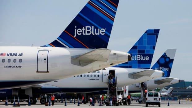 Jim Cramer: Skip JetBlue Buy Southwest Instead