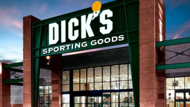 Closing Bell: Dick's Climbs on Golfsmith Bankruptcy; U.S. Stocks Rally
