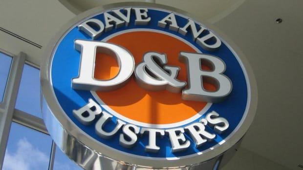 Dave & Buster's Beats Street, Raises Profit Guidance