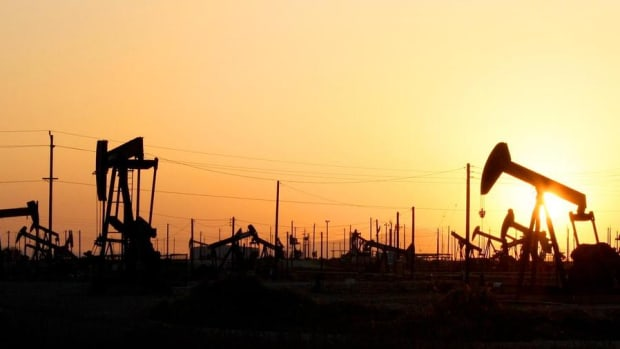 Closing Bell: Crude Oil Rallies Into Day Four; U.S. Stocks Fall From Records