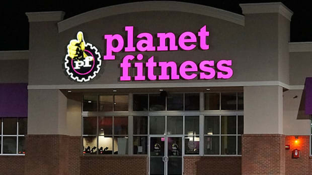 This Discount Gym Chain That Is Feasting on Dying Retailers Just Smashed Through a Major Record