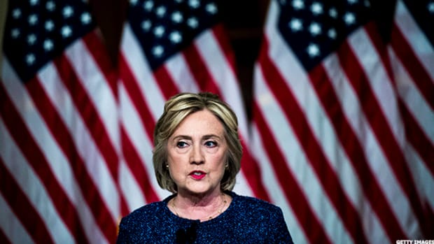 Hillary Clinton Writes Letter in Support of Wells Fargo Customers as CEO Stumpf Visits Capitol Hill