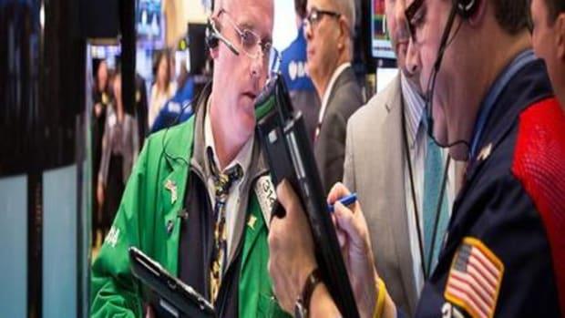 Closing Bell: United Outlines $3.1B Plan; U.S. Stocks Climb