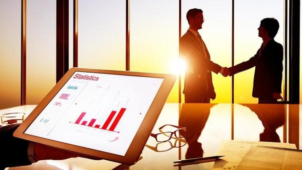 CEOs Should Set Tone for Corporate Culture
