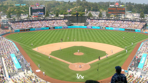 Tickets More Reasonable to See National League Playoffs In Los Angeles Than in Chicago'