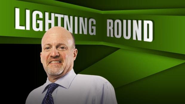 'Mad Money' Lightning Round: Kroger, Dunkin' Brands