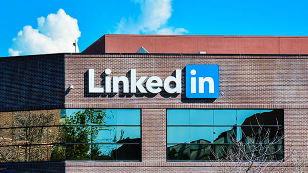 LinkedIn Launches 'Trending' News Feed