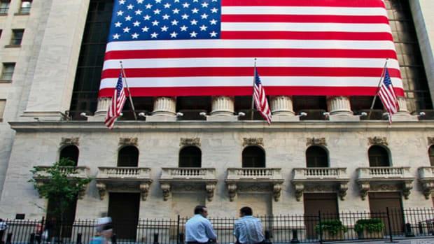 Stocks Hold Lower; Cabela's, Innocoll Shares Drop Heading Into 2017