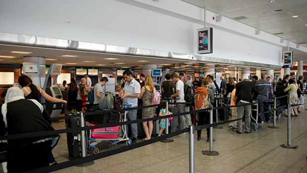 Major Delays at Airports as Global Check-In System Crashes