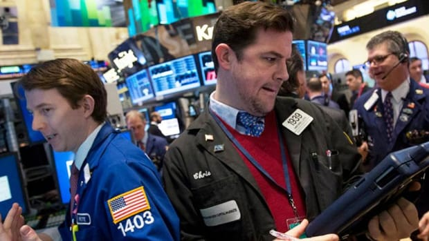 Midday Report: New York Times Subscriptions Soar; Crude Oil Limits Stock Gains